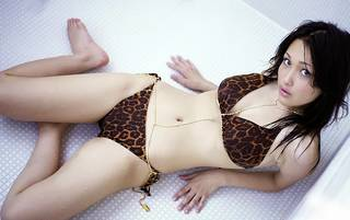 Attraktive halb nackt asiatisch.