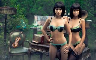Twins filles avec les cheveux noir